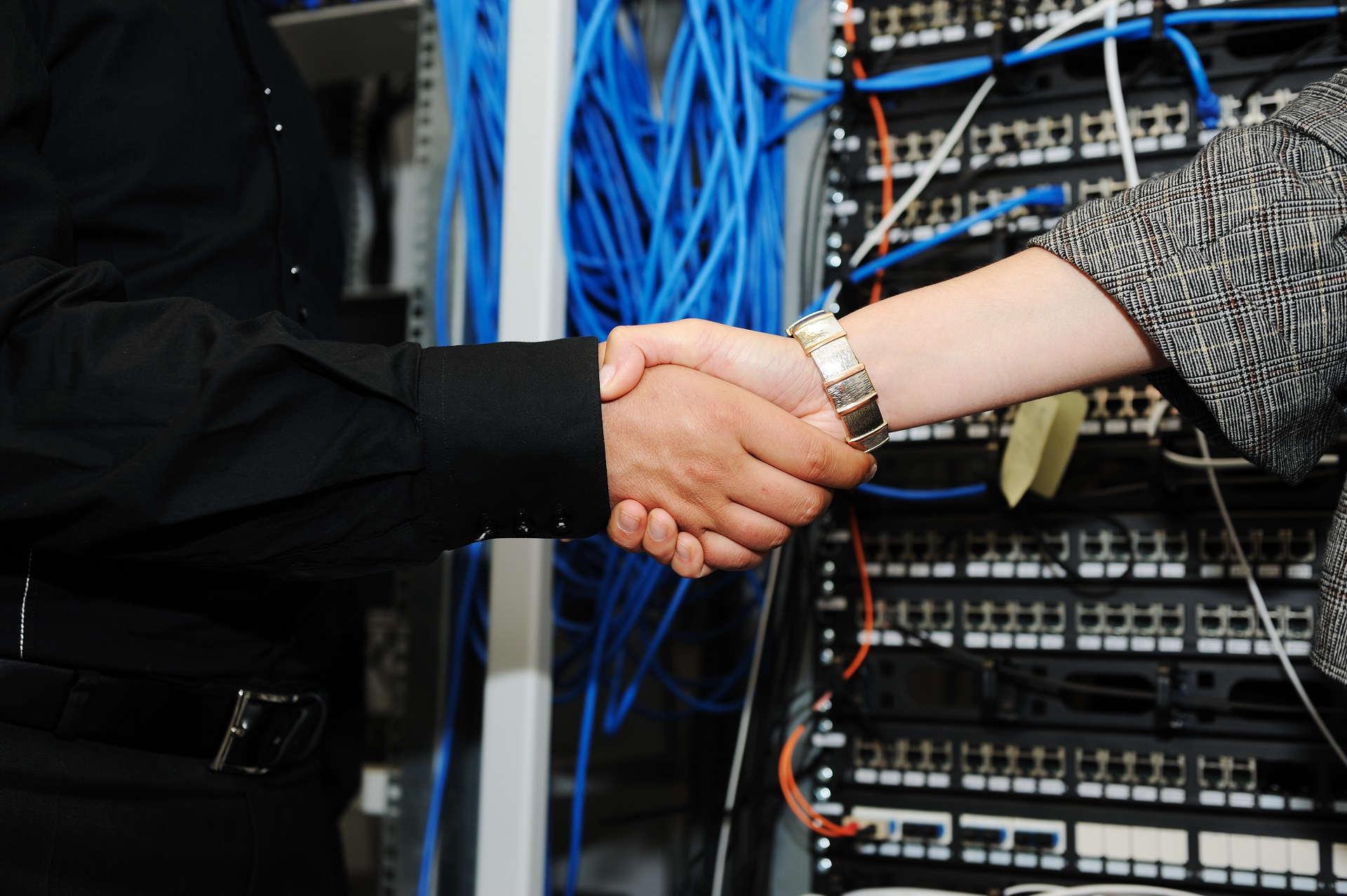 obsuga_informatyczna_serwery_sieci_-_smart-NT2